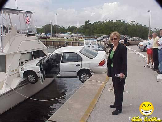 Nữ lái xe vui nhộn