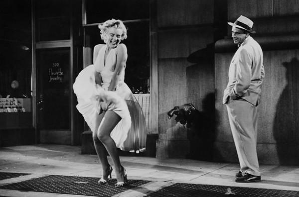 Váy của Marilyn Monroe trị giá 100 tỉ đồng