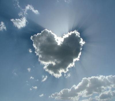 Love clouds - Đám mây hình trái tim
