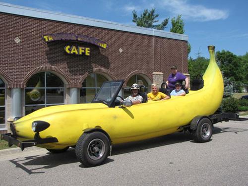 """big banana car - """"xế hộp"""" hình quả chuối"""