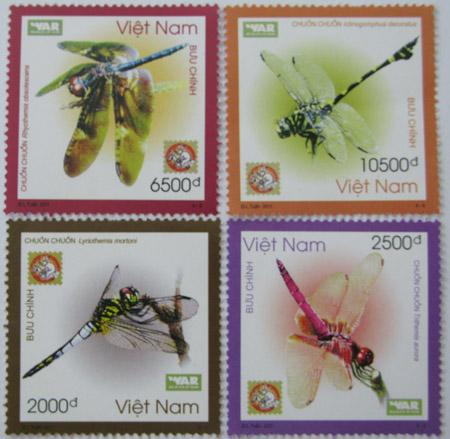 Bốn mẫu tem về chuồn chuồn được phát hành hôm qua. ẢNh: WAR.