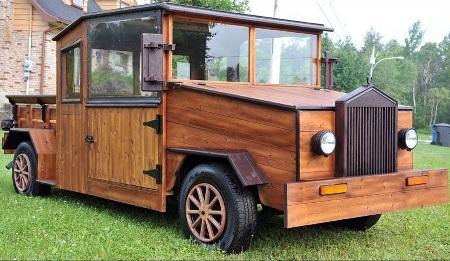 Độc đáo ô tô gỗ tự chế