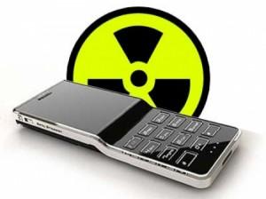 Bức xạ điện thoại (ảnh minh họa từ http://www.it.com.mk/wp-content/themes/itcommk/scripts/timthumb.php?src=//wp-content/uploads/2011/06/RadiationCell.jpg&w=450&h=&zc=0&q=100)