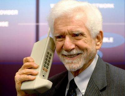 Martin Cooper và DynaTAC, chiếc điện thoại di động đầu tiên trên thế giới