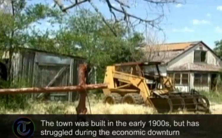 Thị trấn bị rao bán (ảnh chụp từ video)