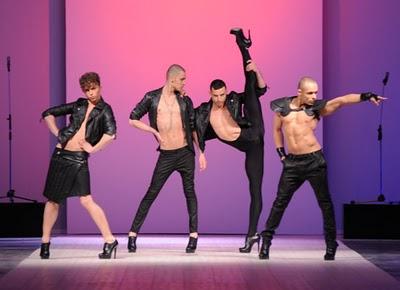 KAZAKY at ANOUKI BICHOLLA | [Video] Khi nam giới đi giày cao gót và nhảy sexy