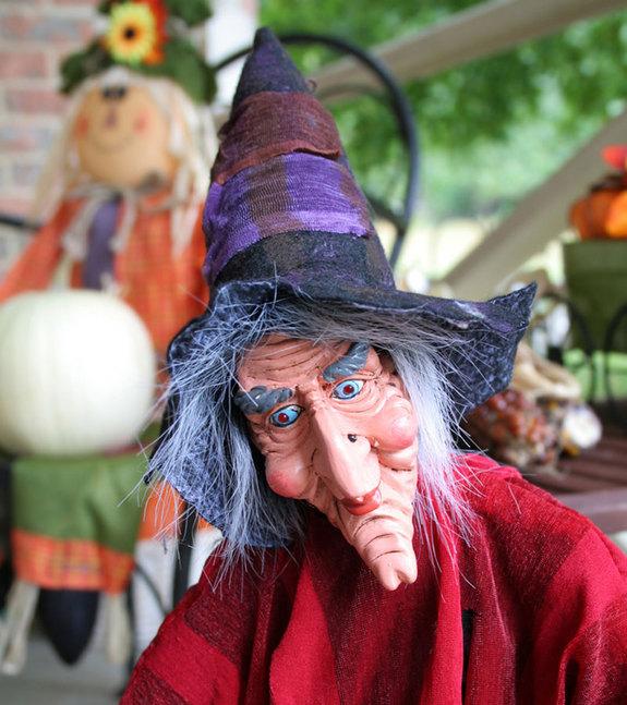 Mụ phù thủy - Biểu tượng của Halloween