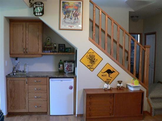 15 ý tưởng tận dụng không gian gầm cầu thang | sang tao | tan dung khong gian song (1)