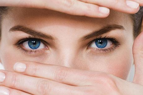 10 cách chăm sóc mắt mệt mỏi (ảnh © Holger Scheibe/Corbis)