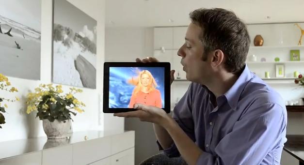 [Video] Hai màn trình diễn ảo thuật ấn tượng với iPad của Simon Pierro