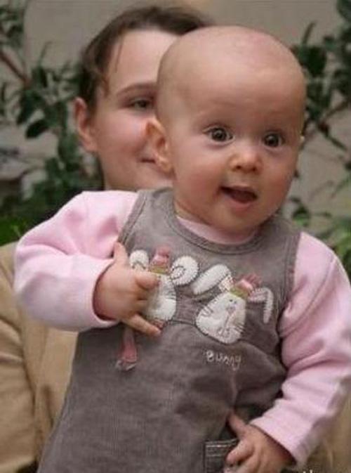 Khuôn mặt biểu cảm: lần đầu tiên thấy gái xinh !
