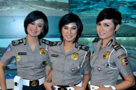 3 nữ cảnh sát xinh đẹp sẽ góp sức cải thiện tình hình giao thông tại Jakarta
