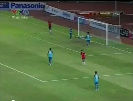 [Video] Pha ghi bàn khó tin trong trận U23 Campuchia - U23 Singapore