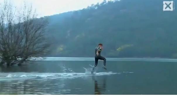 [Video] Con người thật phi thường !