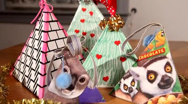 Cách làm hộp quà hình kim tự tháp cho Noel