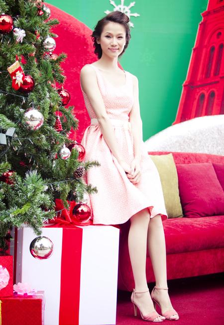 Thái Hà rộn ràng đón Giáng sinh   thai ha, anh nguoi dep, nguoi dep, sieu mau phong cach, diu dang, nu tinh, noel, giang sinh (4)