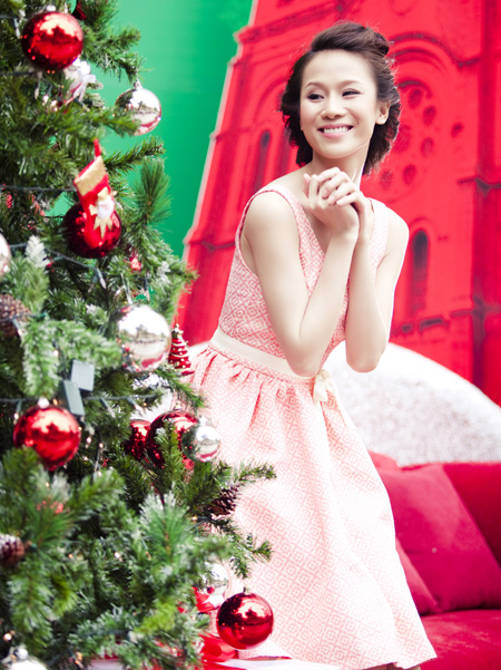 Thái Hà rộn ràng đón Giáng sinh   thai ha, anh nguoi dep, nguoi dep, sieu mau phong cach, diu dang, nu tinh, noel, giang sinh (5)