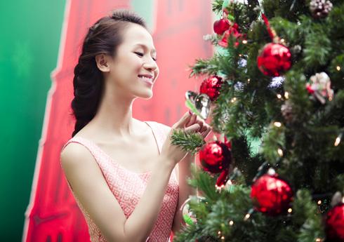 Thái Hà rộn ràng đón Giáng sinh   thai ha, anh nguoi dep, nguoi dep, sieu mau phong cach, diu dang, nu tinh, noel, giang sinh (1)