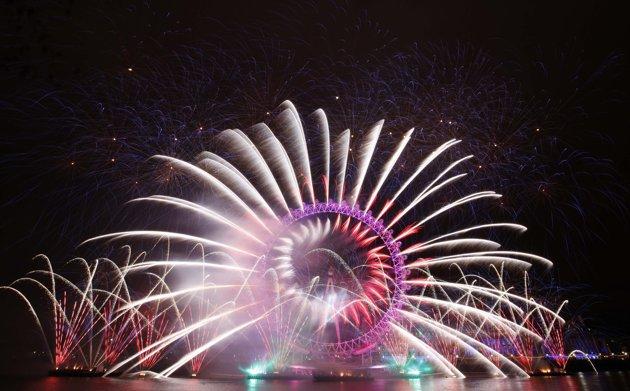 [Video] Những màn pháo hoa đẹp mắt chào năm mới 2012