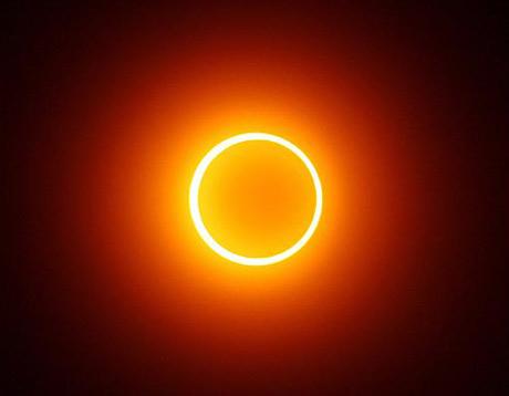 Những sự kiện thiên văn đáng xem năm 2012