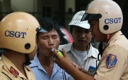 Uống rượu rồi lái xe sẽ bị phạt nặng
