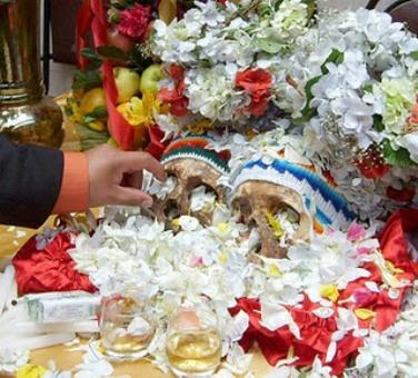 Rùng rợn lễ hội đầu người ở Bolivia | Dau nguoi | Dau lau | Chuyen la | Chuyen bon phuong (4)