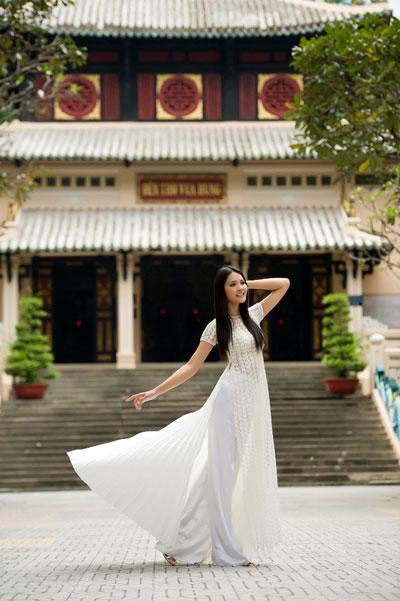 Ảnh đẹp: Áo dài - vẻ đẹp của phụ nữ Việt (9)
