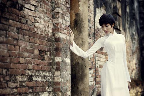 Ảnh đẹp: Áo dài - vẻ đẹp của phụ nữ Việt (7)