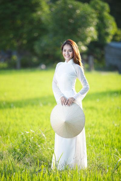 Ảnh đẹp: Áo dài - vẻ đẹp của phụ nữ Việt (5)