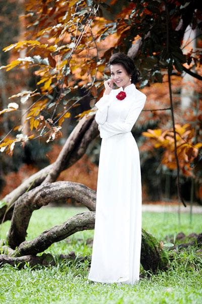 Ảnh đẹp: Áo dài - vẻ đẹp của phụ nữ Việt (3)