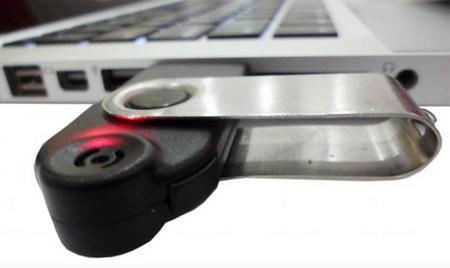 VoiceLok-USB-1_2ba91 - Độc đáo chiếc USB đầu tiên có chức năng bảo mật bằng giọng nói