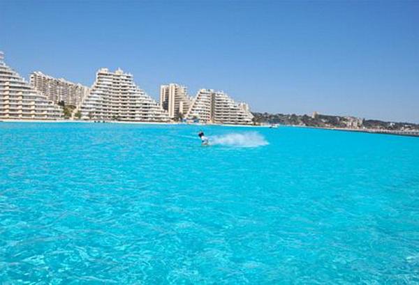 Ngắm bể bơi ngoài trời lớn nhất thế giới (5)