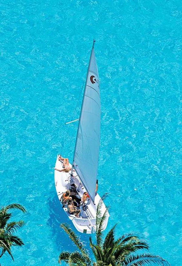 Ngắm bể bơi ngoài trời lớn nhất thế giới (1)