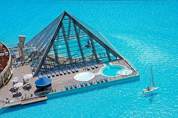 Ngắm bể bơi ngoài trời lớn nhất thế giới (11)