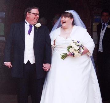 """Sharon và Andrew - Cặp cô dâu chú rể """"bự"""" nhất nước Anh"""