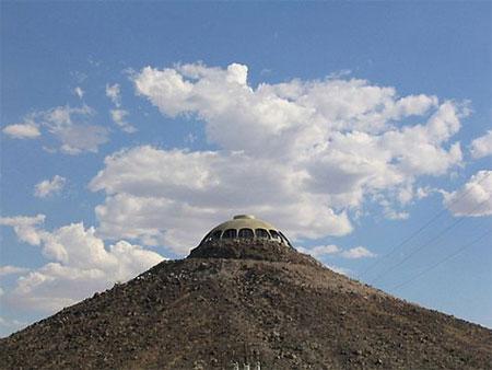 Ngắm ngôi nhà 16 tỷ trên miệng... núi lửa | Ngôi nhà lạ | Núi lửa (6)