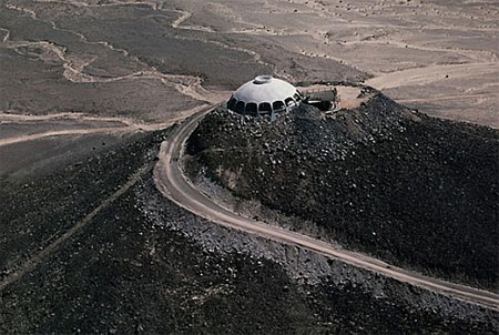 Ngắm ngôi nhà 16 tỷ trên miệng... núi lửa | Ngôi nhà lạ | Núi lửa (2)