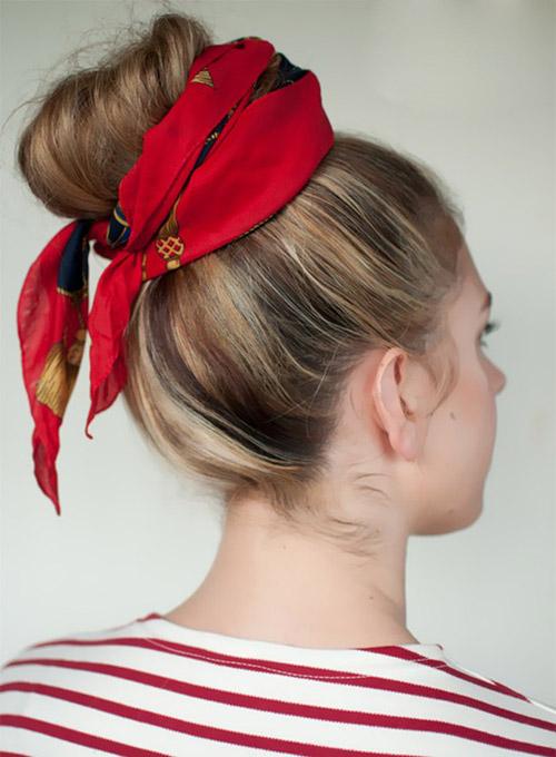 Với kiểu tóc này, bạn cũng búi cao tất cả tóc lên như bước 1 và 2 của kiểu trên