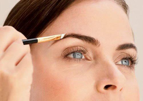 Tạo nét cho lông mày để mắt to hơn   Trang điểm   Làm đẹp