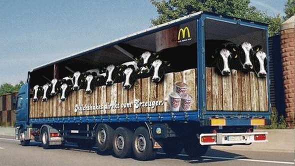 Những mẫu quảng cáo 3D hài hước trên xe tải (6)