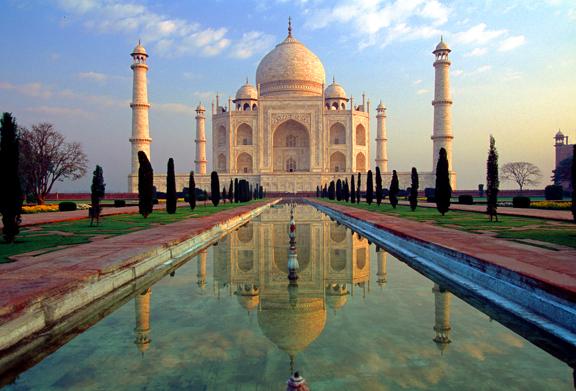 Tòa lâu đài lộng lẫy nhất, nổi tiếng nhất và cũng lãng mạn nhất thế giới, Taj Mahal