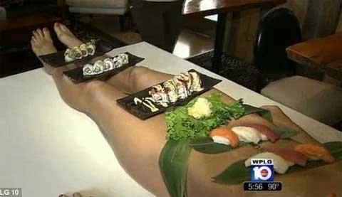 Ăn món sushi trên cơ thể khỏa thân với giá 500 USD | Chuyện lạ (1)