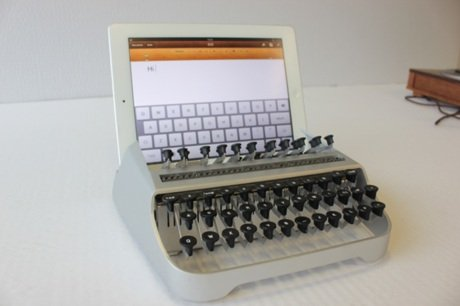 """Bàn phím """"độc"""" biến ipad thành máy chữ"""