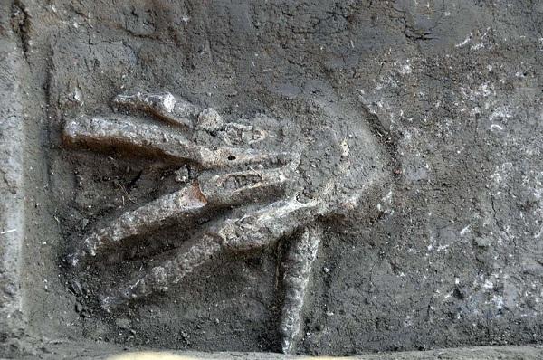 Phát hiện 16 bàn tay gần 3.600 tuổi