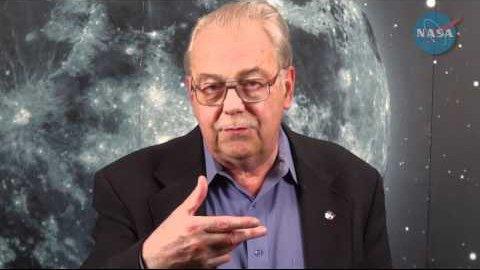 Nhà khoa học cấp cao của NASA David Morrison.