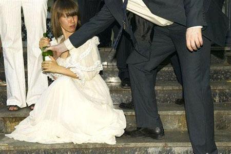 """Cười vỡ bụng với những đám cưới """"hổng giống ai"""" (4)"""