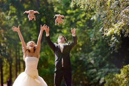 """Cười vỡ bụng với những đám cưới """"hổng giống ai"""" (3)"""