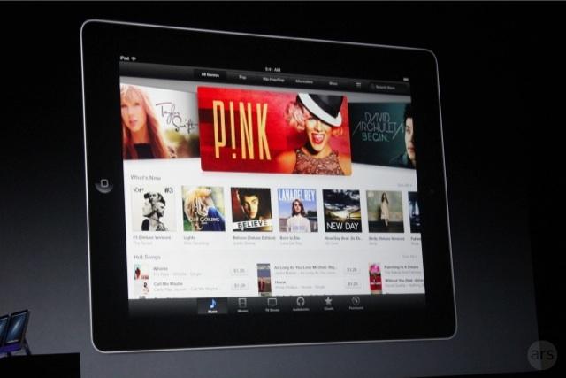 iTunes trên iPad sẽ có những thay đổi lớn., người dùng có thể nghe trước bài hát trước khi mua, nhiều bài hát có thể nghe thử đến 1 phút rưỡi. Giao diện iTunes có giao diện mới với việc chia ô các album, các đĩa được liệt kê gọn và đơn giản hơn rất giống với giao diện trên iOS