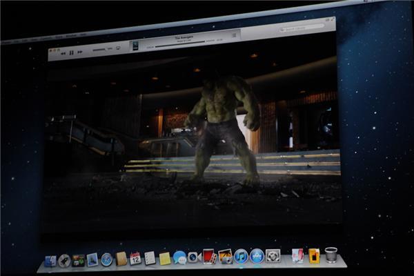 Robin chuyển qua tính năng xem phim, người dùng có thể xem phim từ máy tính cũng như từ iCloud một cách rất dễ dàng.