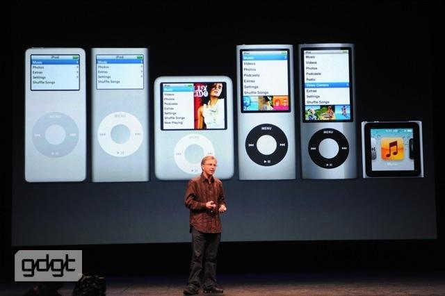 Cue trở lại sân khấu trình bày về iPod, Apple đã bán được 350 triệu chiếc iPod.
